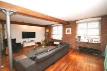 Flat to rent in Little Peter Street...
