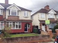 3 bed semi detached house to rent in Meadow Road, Watford
