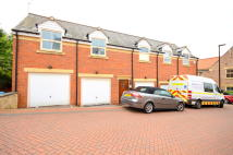 2 bed Flat in Moss House Court...