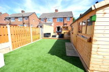 3 bedroom semi detached property in Flockton Avenue...