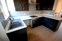 2 bed Terraced house in High Street, Eckington...