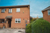 End of Terrace house to rent in Moorthorpe Way...