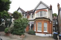 Flat to rent in Broomfield Avenue...