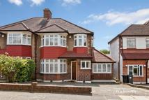 3 bed semi detached house to rent in Morton Way, London, N14