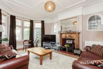 5 bed semi detached property for sale in Fox Lane, London, N13