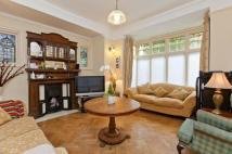 4 bed Detached property in Hoppers Road, London, N21