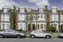 2 bedroom Flat to rent in Park Avenue, London, N13