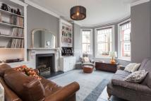 Flat to rent in Grovelands Road, London...