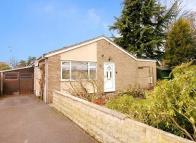 4 bed Detached Bungalow in Carterton, Oxfordshire