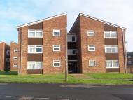 Flat in Hillmead, Gossops Green...