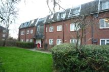 2 bed Flat to rent in Warbleton House...