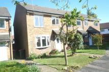 3 bed property to rent in Payne Close, Pound Hill...