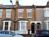 2 bedroom Terraced house in Edward Road, Coulsdon