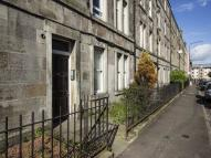 Flat to rent in Springwell Place...