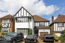 4 bed Detached house to rent in Friern Barnet Lane...