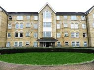 2 bedroom Flat to rent in Cobham Close...