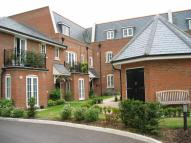 2 bed Ground Flat in Red Lion Court...
