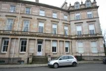 Flat to rent in Crown Circus