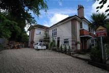 4 bedroom Flat in Roslin Road...