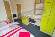 Studio flat to rent in Middle Street, Beeston...