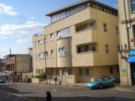 2 bedroom Apartment in Grove Hill Road...