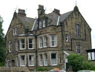 Flat to rent in Victoria Road, Harrogate...