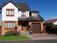 4 bedroom Detached house in Campsie Road...