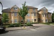 2 bed Apartment in Lowndes Court...
