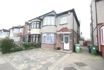 3 bed property to rent in Dorchester Avenue...