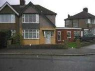 semi detached house to rent in Walton Avenue...