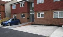 Apartment to rent in Oakdale Road, Herne Bay...