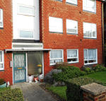 2 bed Flat to rent in Beresford Gardens...