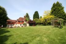 4 bed Detached property in Wisborough Green...