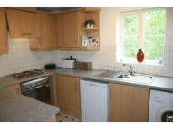 Flat to rent in Peatey Court...