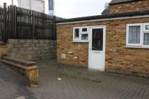 Ground Flat to rent in HUGHENDEN ROAD...