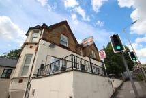 Flat to rent in Amersham Hill...