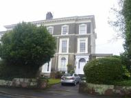 Studio flat in Victoria Park Road...
