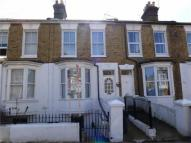 Flat to rent in Duncan Road, Ramsgate...