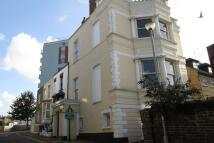 Flat to rent in Hertford Street...