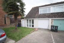 semi detached home to rent in Roundhills...