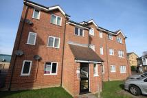 Ground Flat to rent in Howard Close...