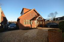 4 bed Detached Bungalow in 5 Moreton Drive...