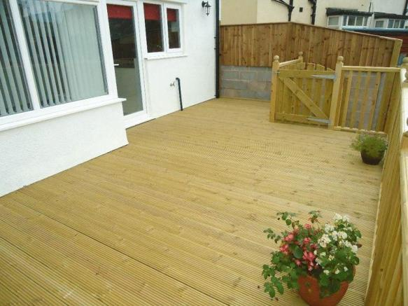 Decking To Rea...
