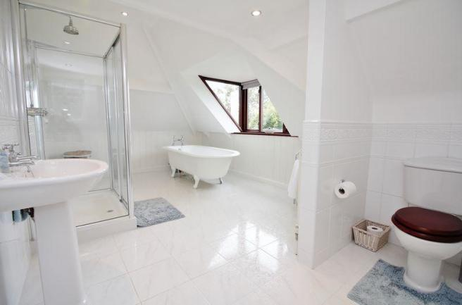 Luxury Bath &a...