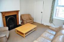 1 bedroom Maisonette to rent in Newlands Road...