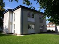 2 bedroom Flat in Clare Road...