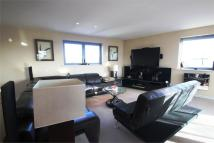 3 bedroom Flat to rent in Streatham High Road...