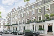 2 bed Flat to rent in Thurloe Square...