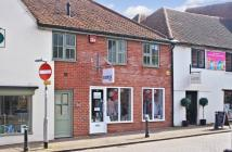 property to rent in Cross Street, Bishops Waltham