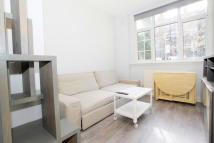 Studio apartment in Oakley Square, Euston